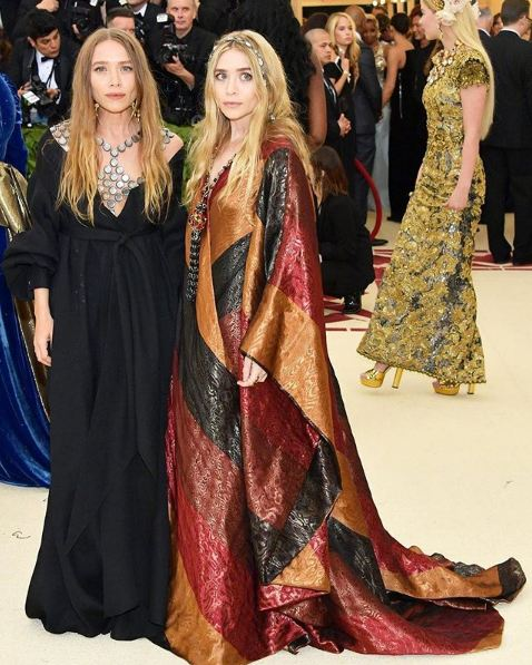 met-gala-2018-fashion-celebrity-style (28)mary-kate-ashley-olsen