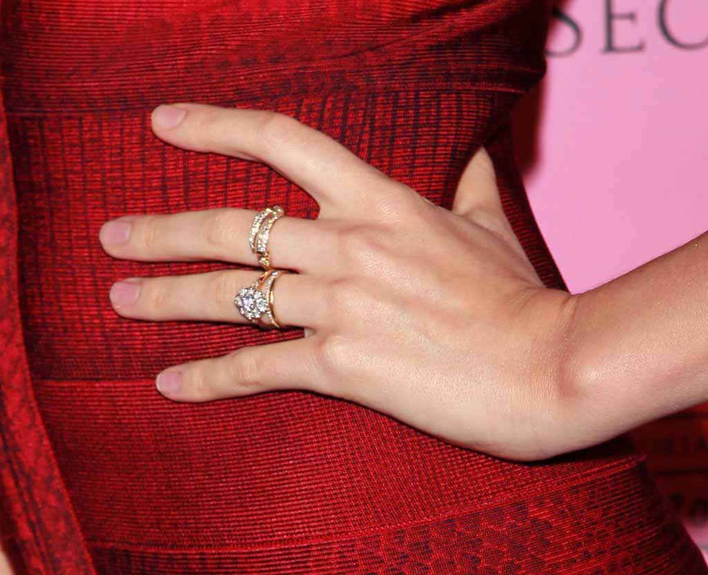 miranda-kerr and orlando bloom relationship-split (2)-engagement ring