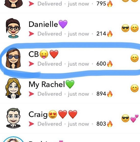 snapstreaks-what-are-streaks-snapchat-app-social-media