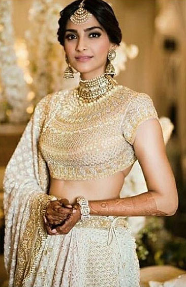 sonam kapoor sonam-kapoor-wedding-sangeet-ceremony-ivory-dress