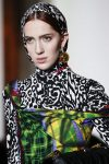 trendy-hair-accessory-trends-printed-head-scarves-designer-versace-fall-2018