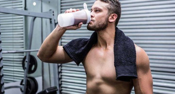 2-pre-workout-supplement-shake-drinking