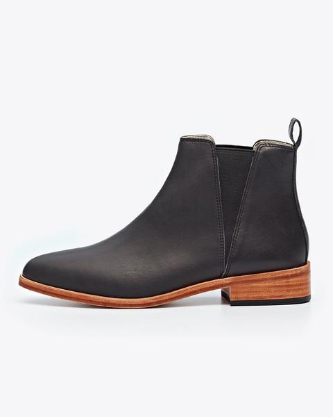 Chelsea.Boot- nisolo-fashion-dictionary-glossary-terminology-terms-types-of-shoes