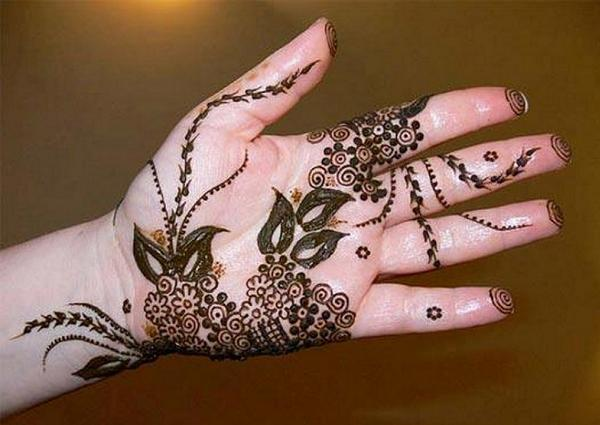 easyday-botanical design-best-mehendi-design-on-hands-trends-fashion-style