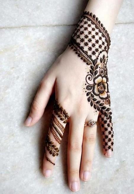 fashion & fashion- via-pinterest- braclet-inspired-mehendi-design-latest-trends-ideas