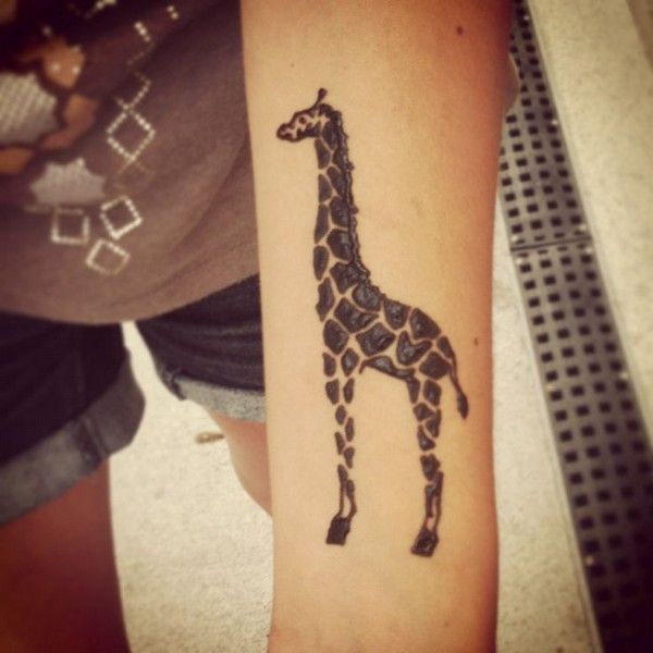 henna-tattoo-via- pinterest-designs-trends-animal-giraffe-how-to-mehendi-ideas