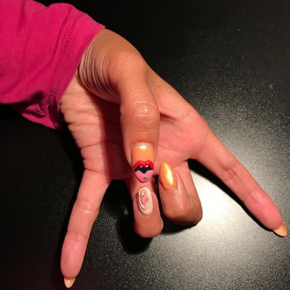 instagram-beauty-style-fashion-polish-msconcepcion - vagina-nails