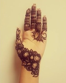 maria-lux-via-pinterest-simple-mehendi-designs-with-empty-space-in-front-hand-trends-fashion-style