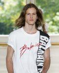 top-mens-hairstyle-trends-center-parted-cut-mens-hair-ideas-fashion-week-designer-balmain-ss19