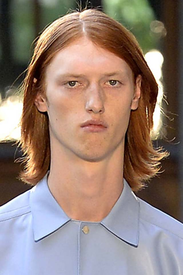 top-mens-hairstyle-trends-center-parted-cut-mens-hair-ideas-fashion-week-designer-dunhill-ss19