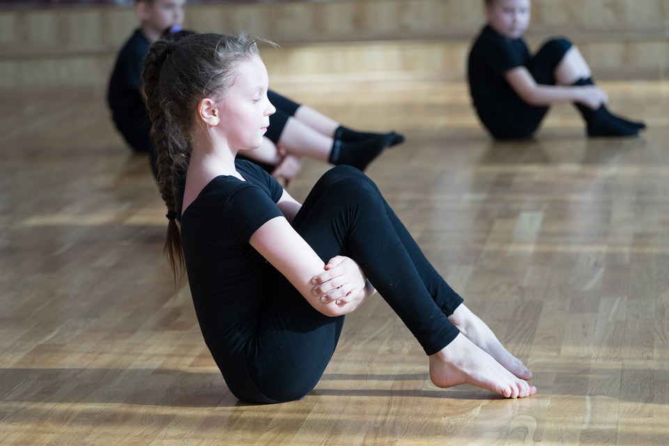 benefits-of-yoga-for-kids-ideas-latest-poses-kids-yogs