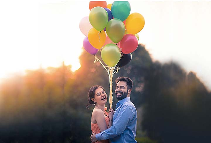 couple-photography-latest-poses-idea-props-balloons