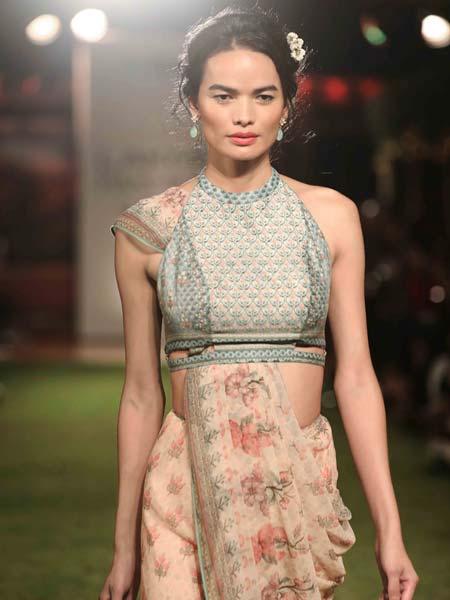 famous-blouse-designs-trends-fashion-style-celeb-designer-Anita-Dongre