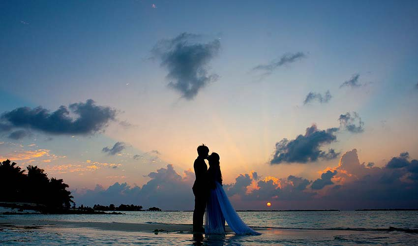 pre-wedding-pictures-ideas-guide-complete-beach-location