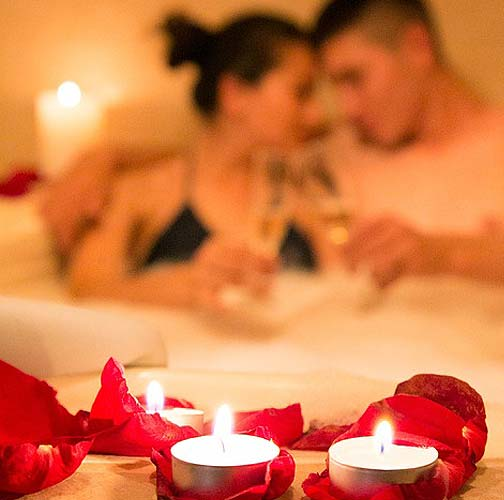 sexy-couple-ideas-bath-tub-candle-latest-photography