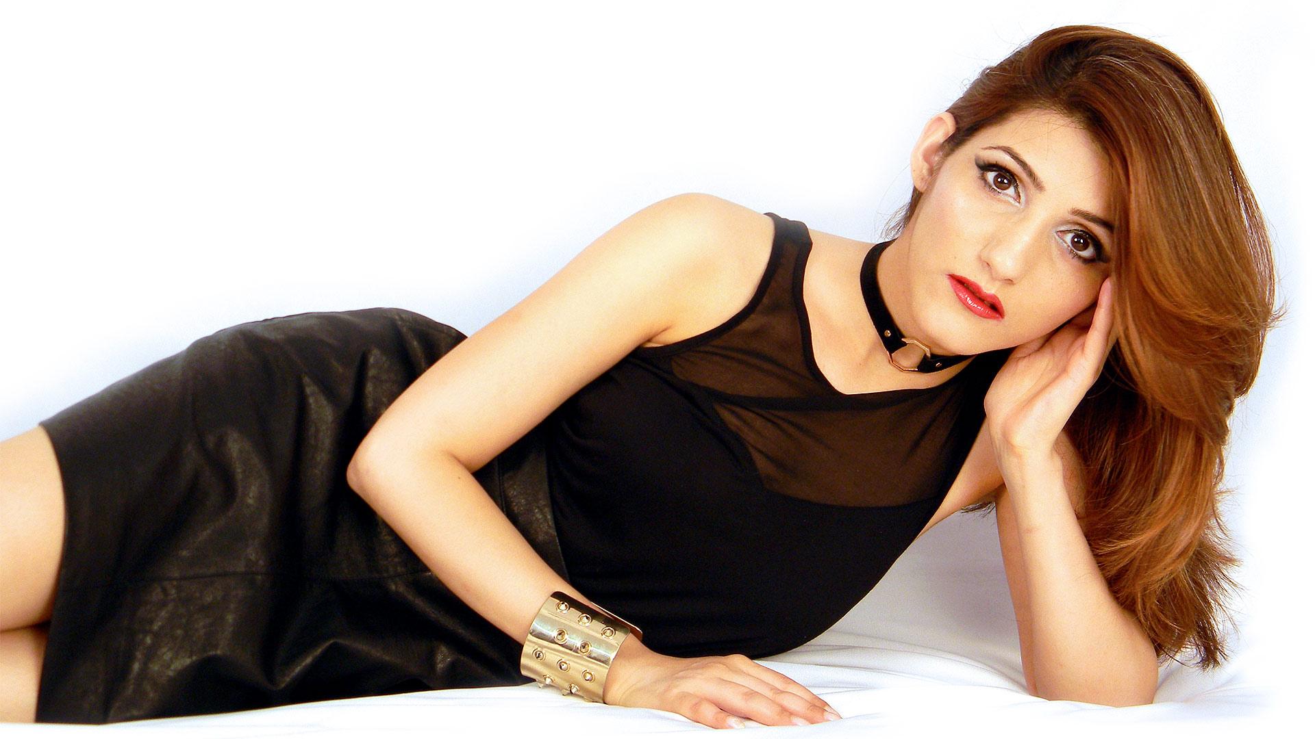 shilpa-ahuja-fashion-sexy-wallpapers-desktop-style-glamorous