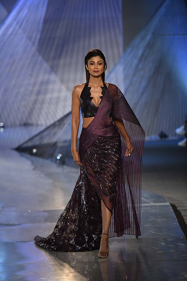 Amit-Aggarwal-Indian-couture-week-2018-icw18-collection-51-shilpa-shetty-kundra