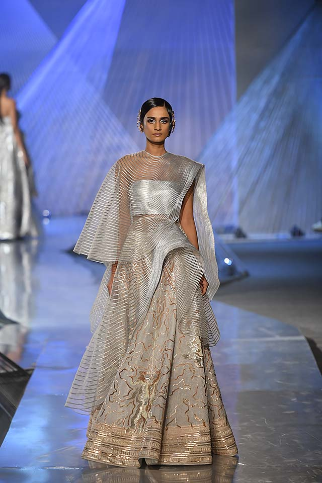 Amit-Aggarwal-Indian-couture-week-2018-icw18-collection-6-sheer-lehenga