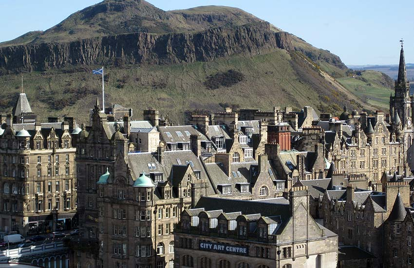 edinburgh-most-beautiful-city-in-world