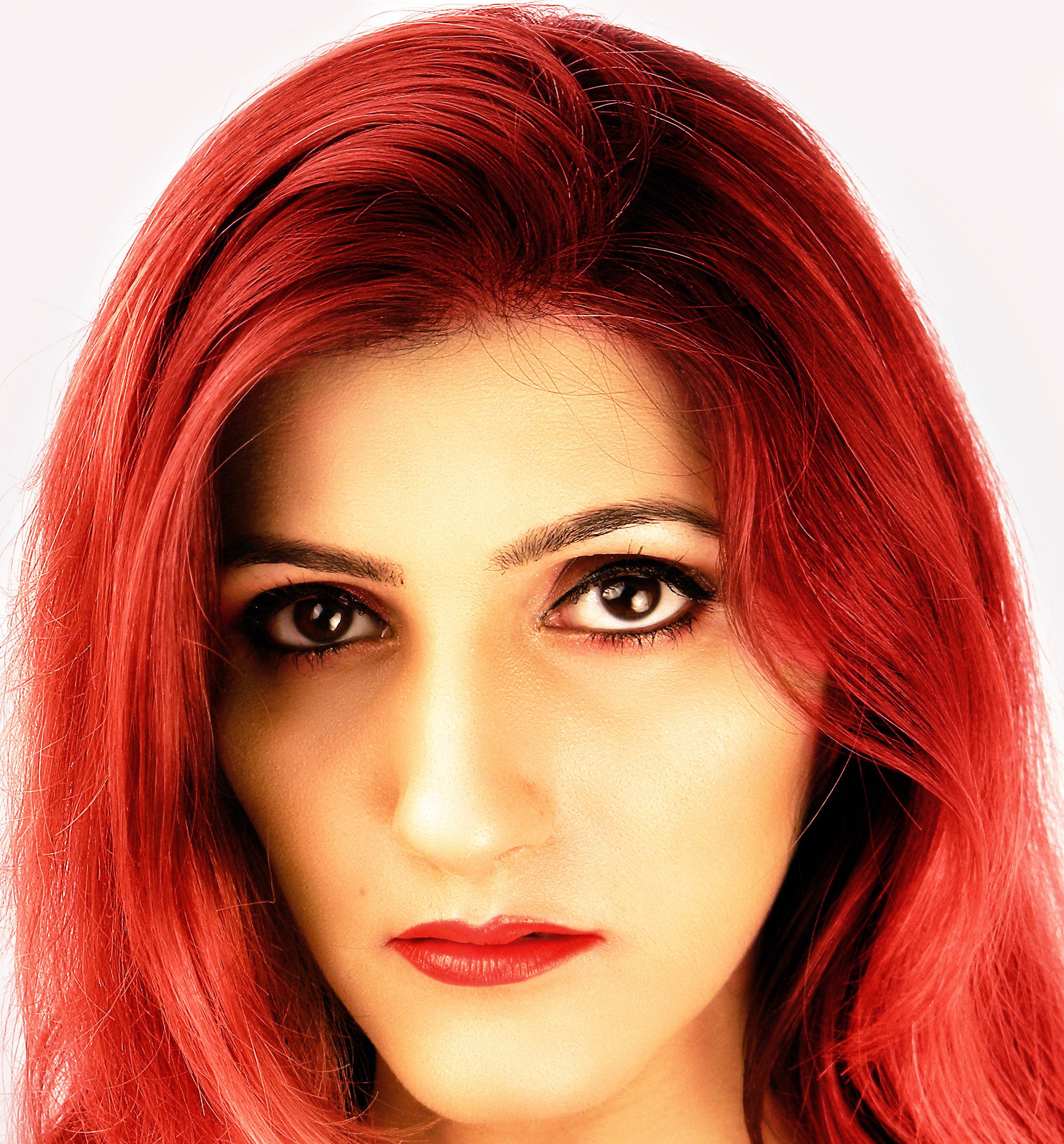 shilpa-ahuja-red-cherry-hair-color-new-trends-latest-berry
