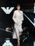 Emporio-Armani-spring-summer-2019-ss19-milan-fashion-week-26-slit-trousers