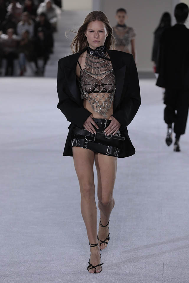 alexander-wang-nicole miller bra nyfw fashion week spring summer 2019 ss19 necklace