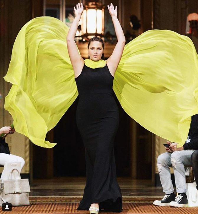 christian siriano dress plus size nyfw fashion week spring summer 2019 ss19 shoes