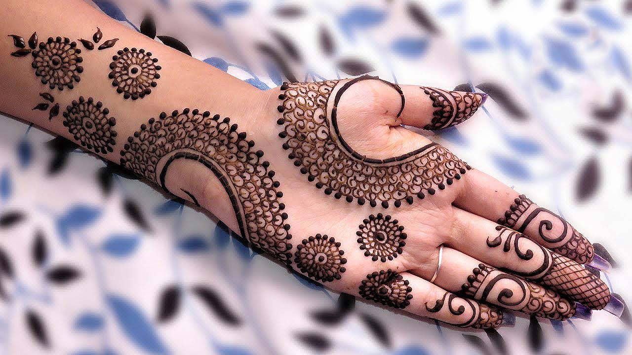 cut-out-mehandi-designs-latets-trends-2018-arabic-style