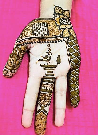 diwali-inspired-mehandi-designs-alteast