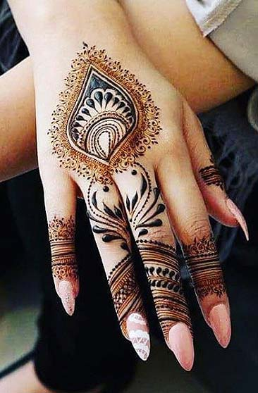 latest-mehndi-designs-trendy-indian-wedding-dotwork-style
