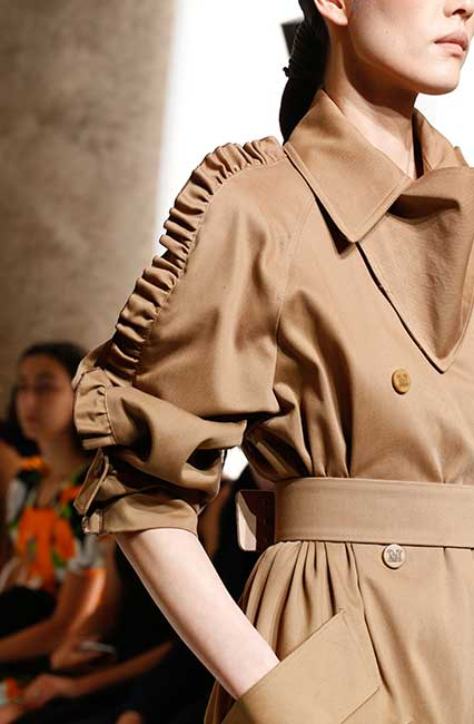 max-mara-spring-summer-2019-collection-ruffle-trench-coat