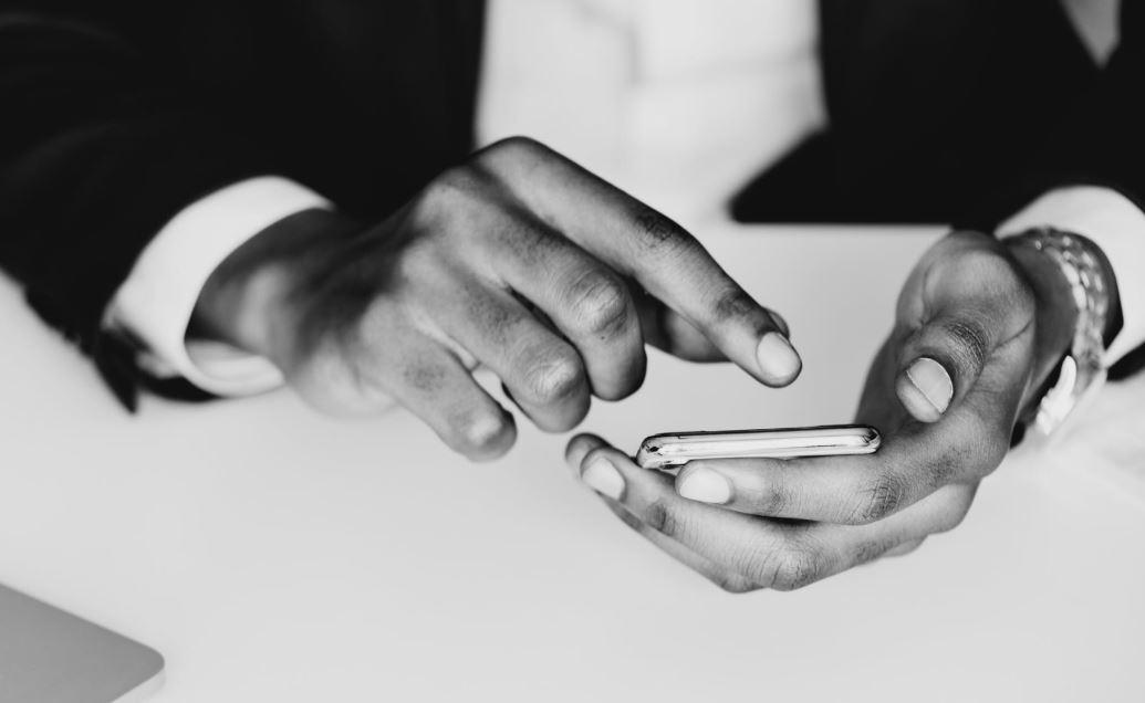 phone-screen-millennial-technology-trends