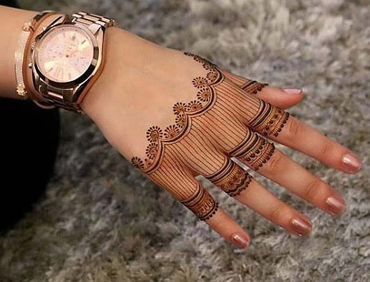 striped-mehandi-desig-trends-latest-2018-indian