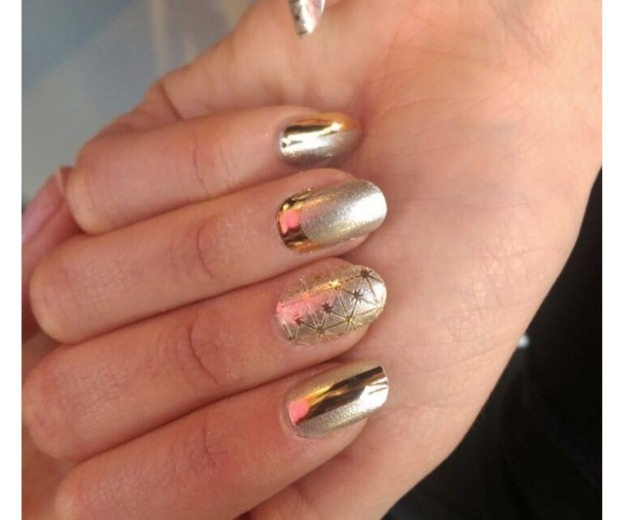 vtexture play manish arora - textured nails - dip powder nails - chrome nails - gold foil nail s'