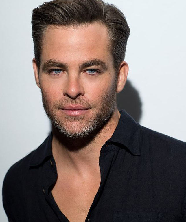 Chris-Pine-best-celebrity-smiles-beautiful
