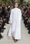 Valentino-Spring-summer-2019-ss19-rtw-collection-looks-16-white-tote