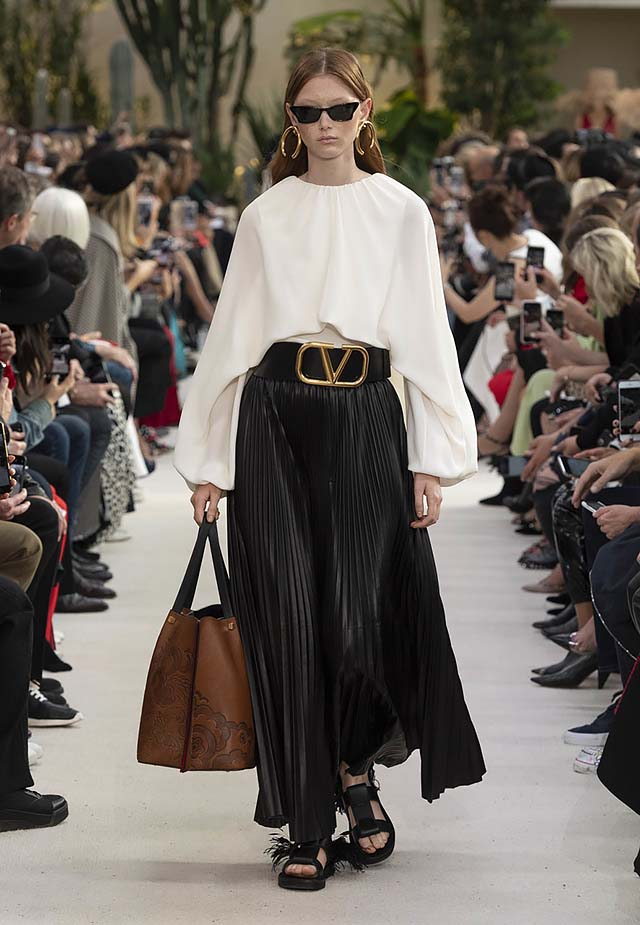 Valentino-Spring-summer-2019-ss19-rtw-collection-looks-18-pleated-skirt