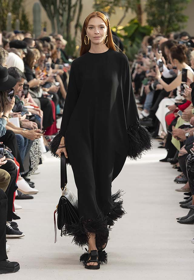 Valentino-Spring-summer-2019-ss19-rtw-collection-looks-2-fringe-dress