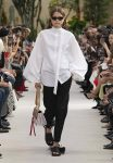 Valentino-Spring-summer-2019-ss19-rtw-collection-looks-20-narrow-sunglasses