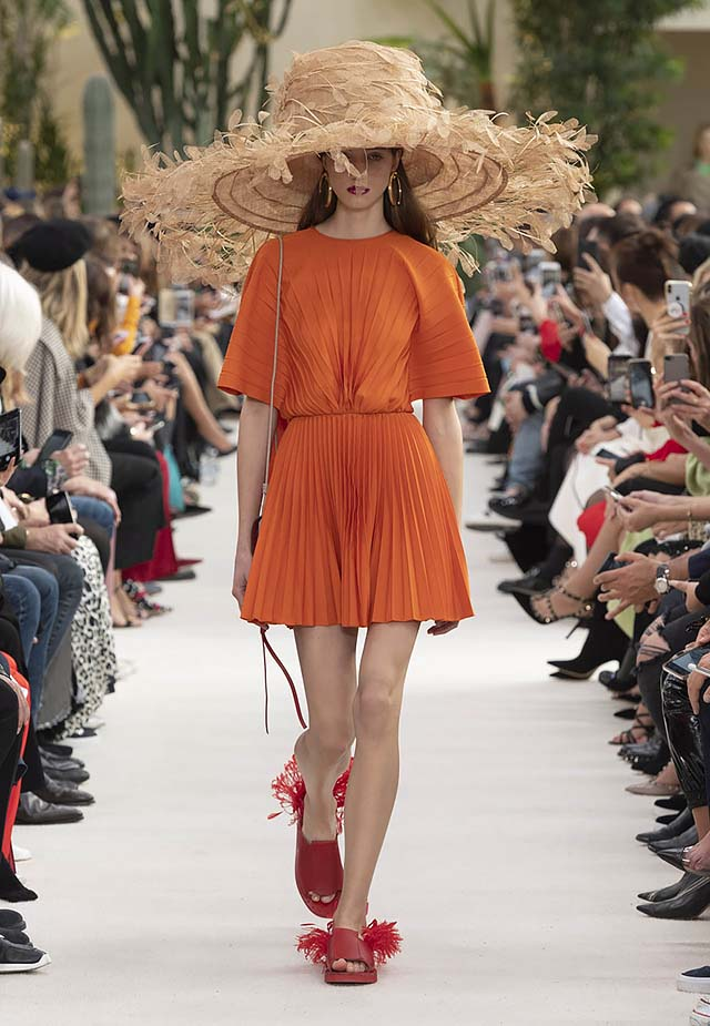 Valentino-Spring-summer-2019-ss19-rtw-collection-looks-29-red-fringe-shoes