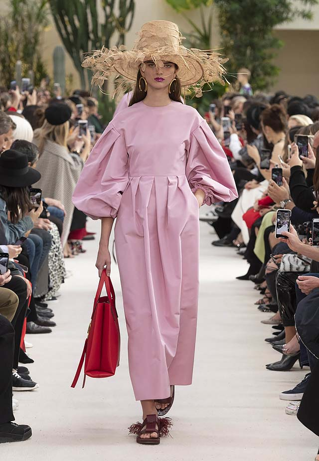 Valentino-Spring-summer-2019-ss19-rtw-collection-looks-32-pink-gown