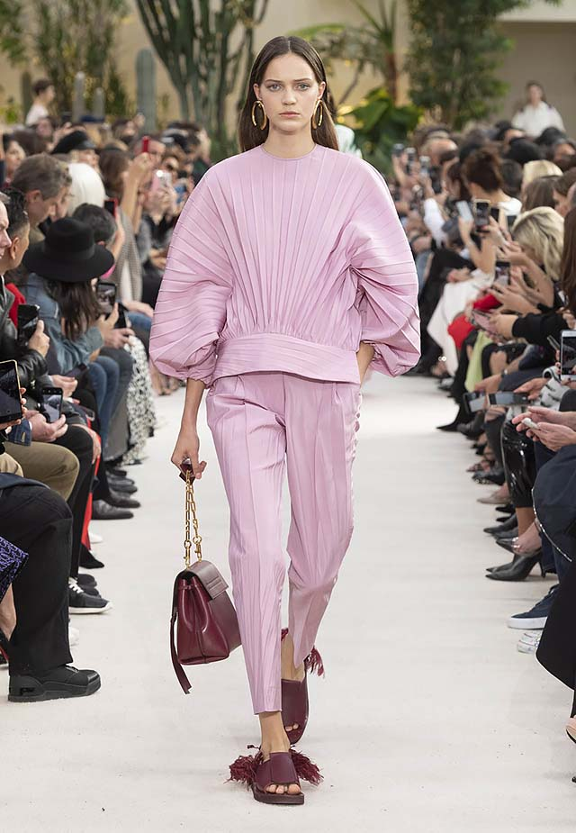 Valentino-Spring-summer-2019-ss19-rtw-collection-looks-33-pleated-top