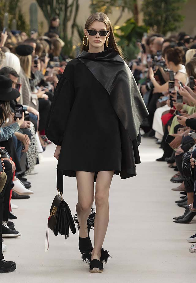 Valentino-Spring-summer-2019-ss19-rtw-collection-looks-8-narrow-sunglasses