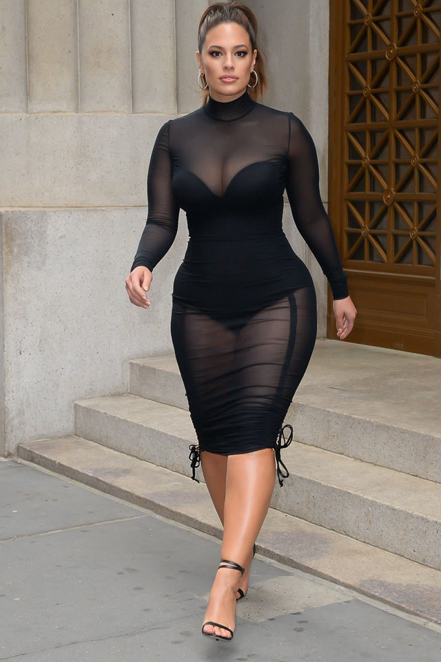 how-tio-look-slimmer-dressing-ashley-graham-shapewear