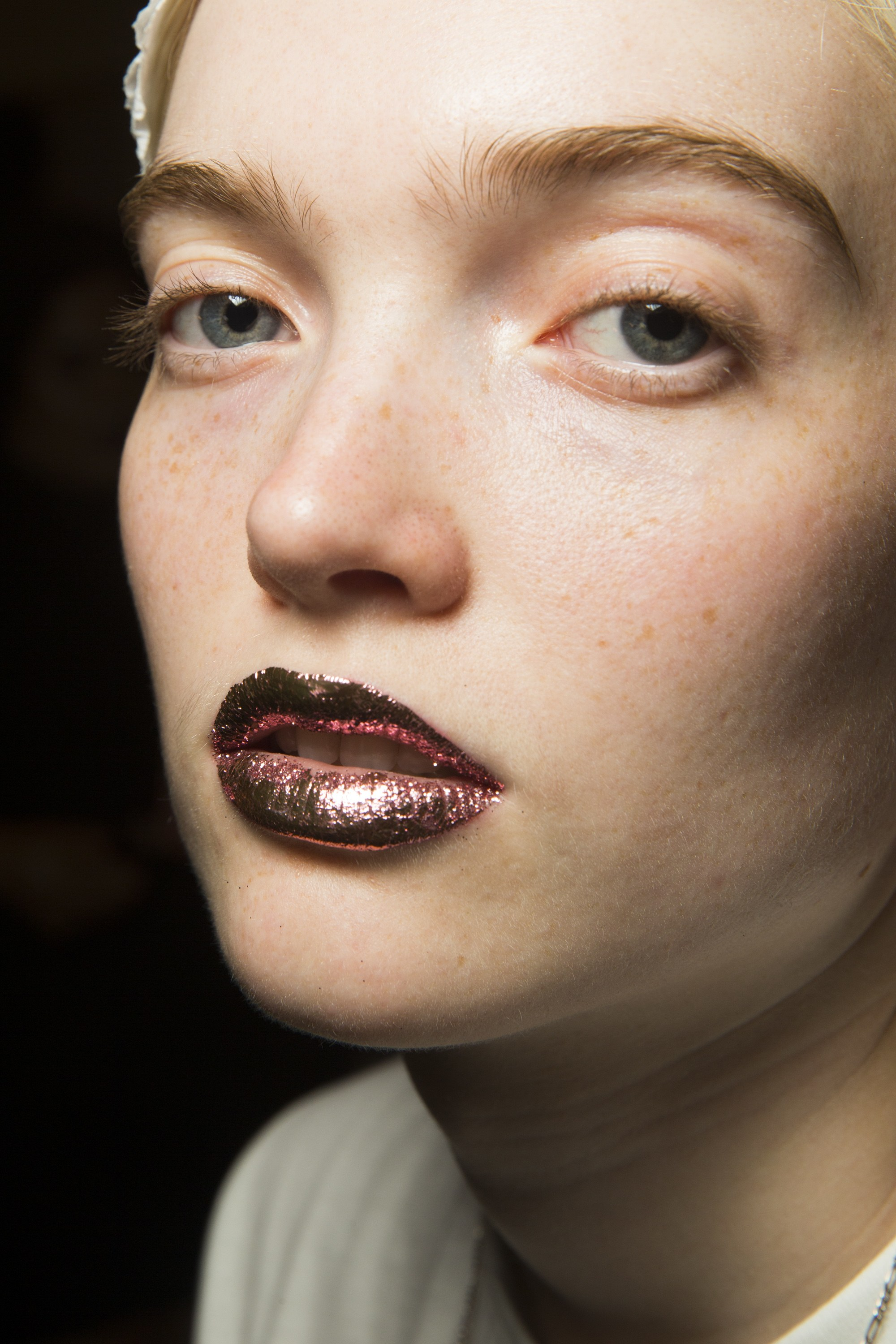 jeremy-scott-glitter-lips-spring-summer-2019-collection