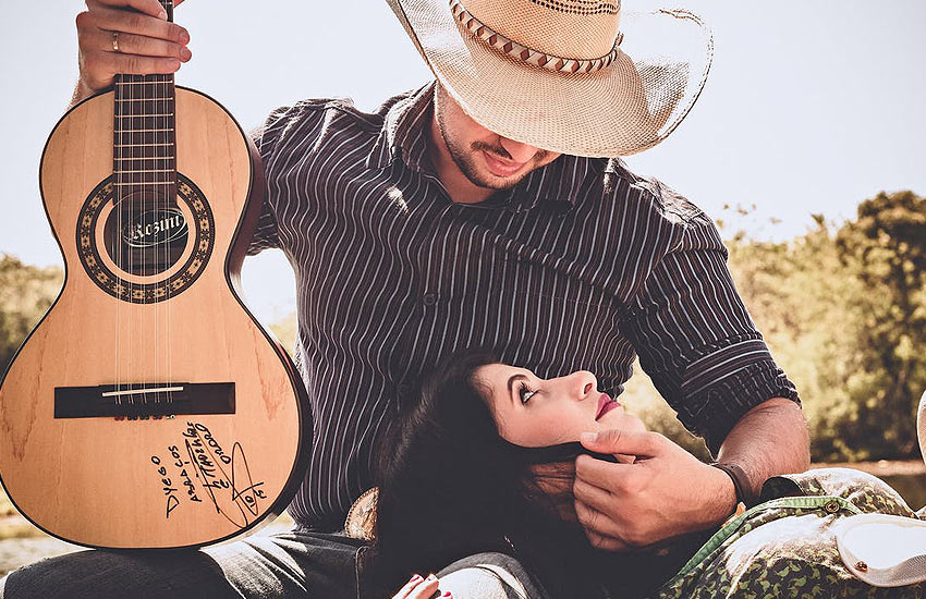 musical-instruments-pre-wedding-props-latest-shoot