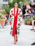 oscar-de-la-renta-spring-summer-2019-collection-ss19-12-embroidered-jacket