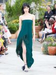 oscar-de-la-renta-spring-summer-2019-collection-ss19-19-strapless-gown