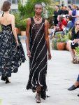 oscar-de-la-renta-spring-summer-2019-collection-ss19-33-fringe-dress
