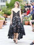 oscar-de-la-renta-spring-summer-2019-collection-ss19-37-strapless-dress